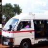 カラツ村を走る日本の救急車