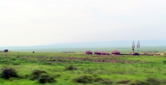 日本の援助で作られた道路を走りながら見える景色