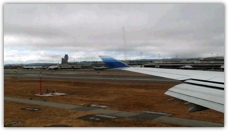 ついにサンフランシスコ国際空港の滑走路