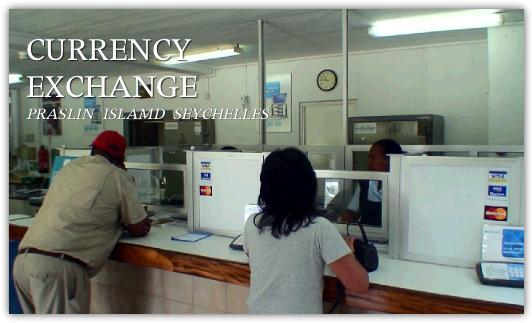 セイシェルの銀行で為替の両替をする
