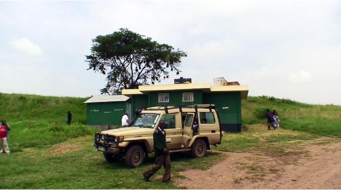 ンゴロンゴロクレーター内にある休憩所とトイレ