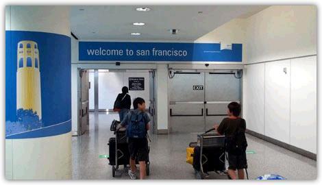 サンフランシスコ空港の到着ロビー