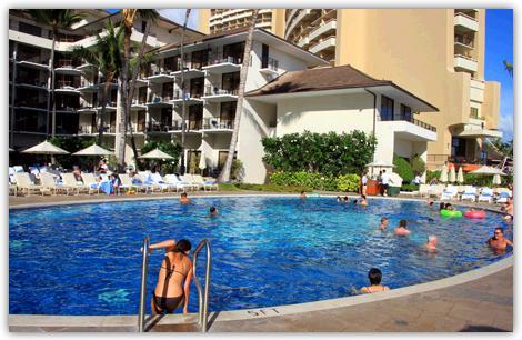 ハレクラニホテルのプール