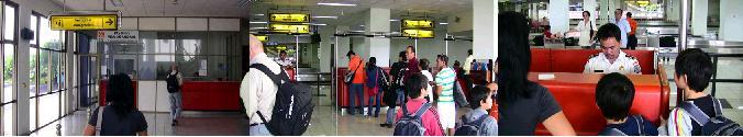 メナド空港のビザ発給カウンター