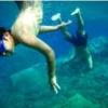 アモウディビーチで泳ぐ