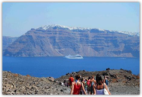 火山島トレッキングツアーの写真