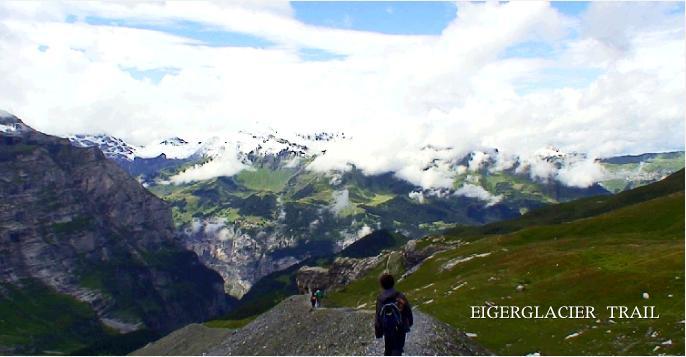 絶景の景色に伸びるアイガーグレッチャートレイル