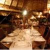 ビュッフェディナーのテーブル
