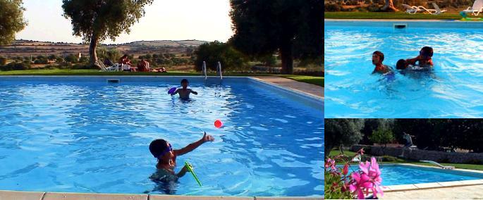 プールで遊ぶ子ども達