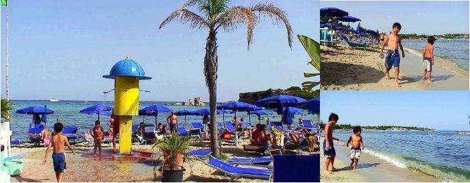 シチリアのビーチで泳ぐ子ども達