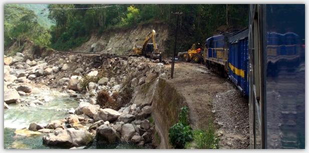 線路の復旧工事