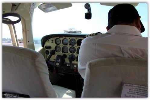 操縦席とパイロット