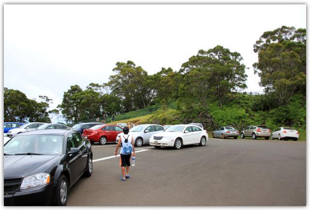 プオキラ展望台の駐車場