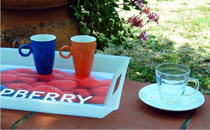 コーヒーカップとトレイ