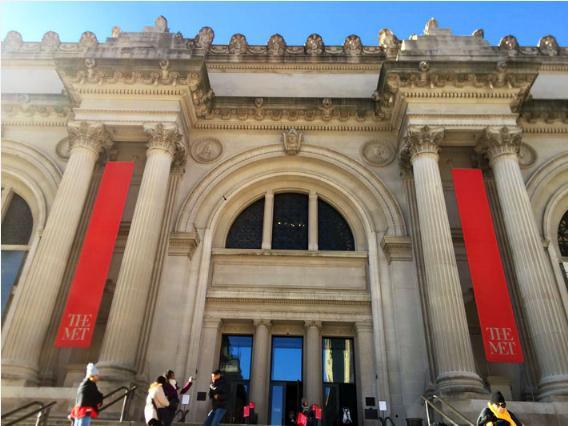 メトロポリタン美術館の入り口