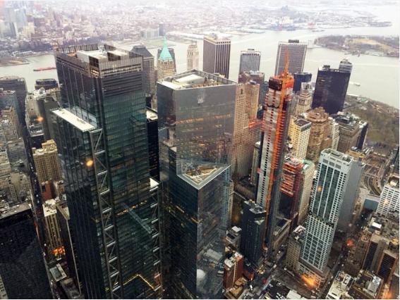 ワン・ワールド・トレード・センター102階の展望台からのウォール街の眺め