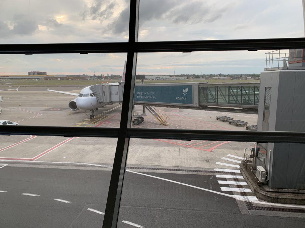航空券を安く購入するためには料金を検索するタイミングが重要