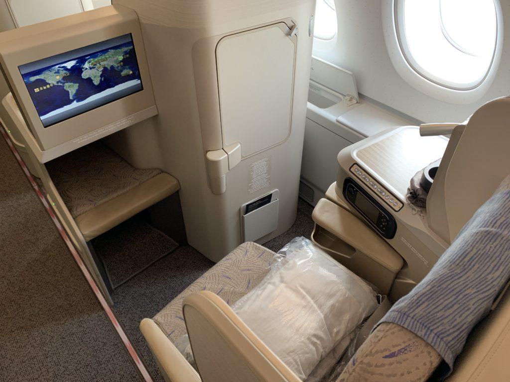 アシアナ航空フランクフルト線ビジネスクラスのシート
