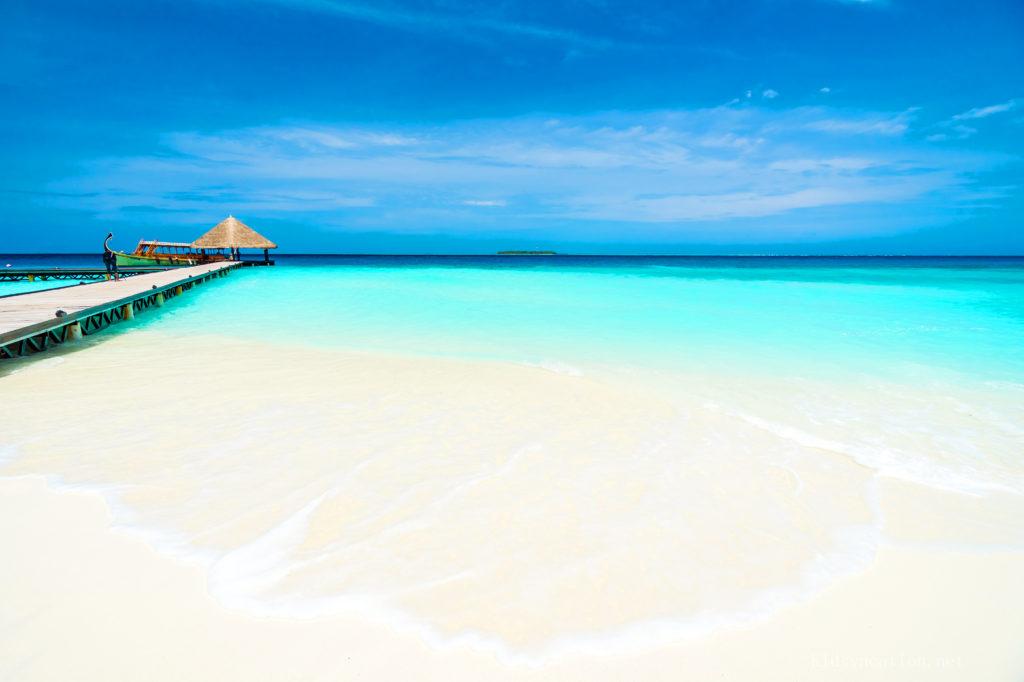 モルジブのビーチでのんびり