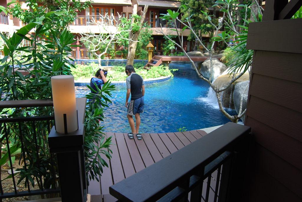カオラックメルリンリゾートホテルのプールアクセスルーム