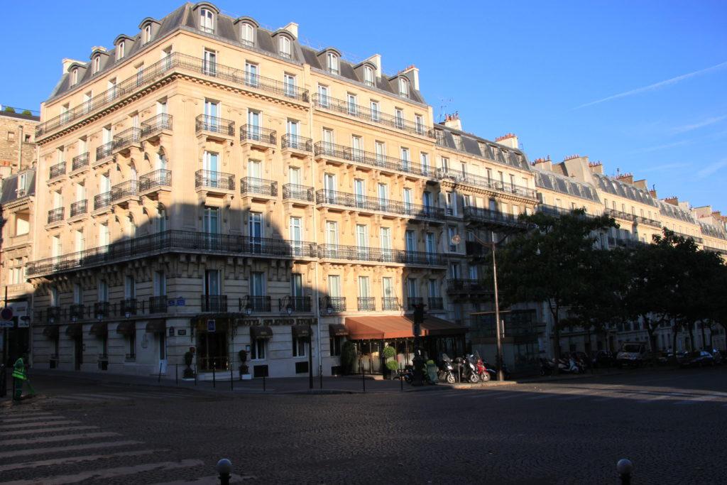 凱旋門近くにあるスプレンディッドエトワールホテル