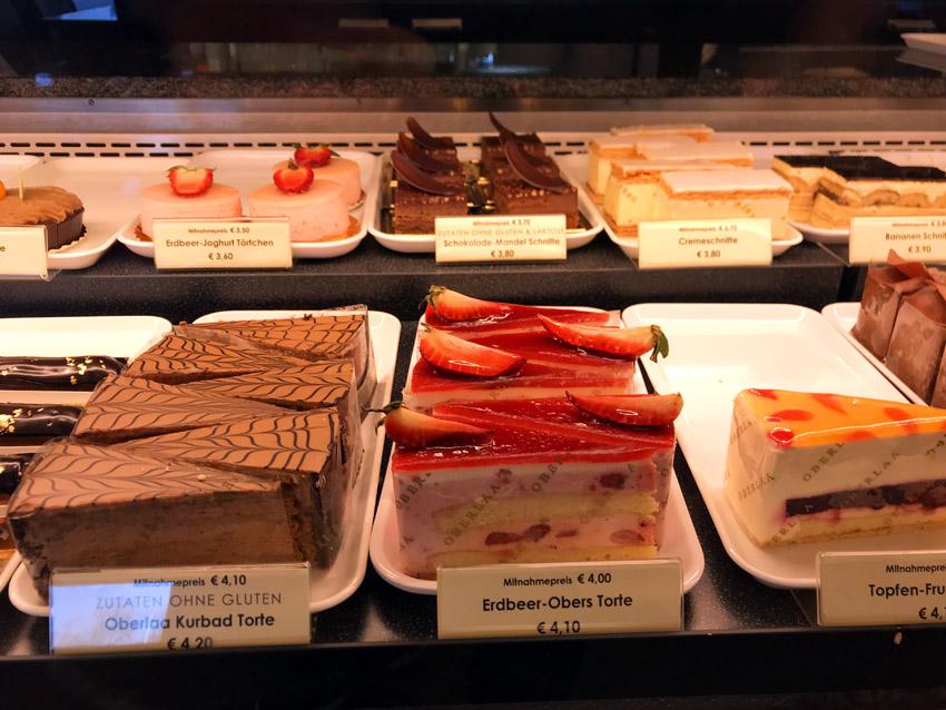 オーバーラーの名物ケーキ