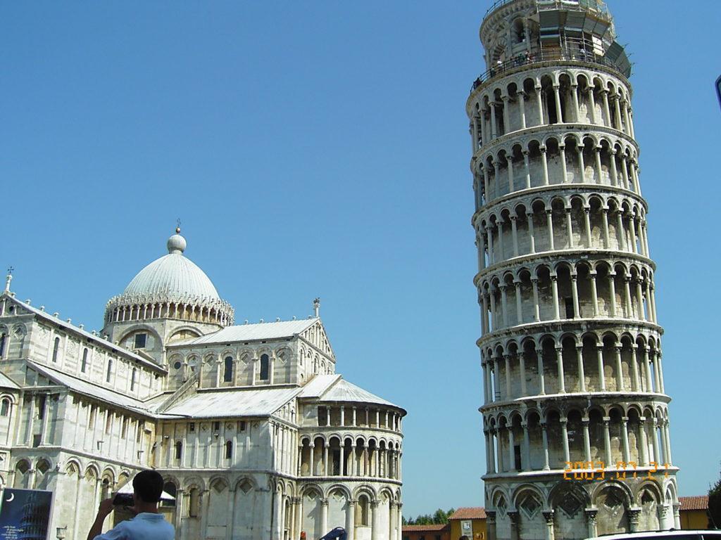 ピサの斜塔と奇跡の広場