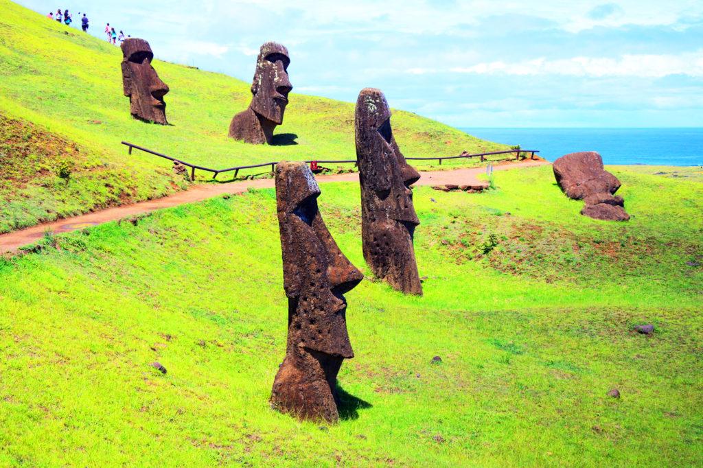 世界遺産イースター島のモアイ