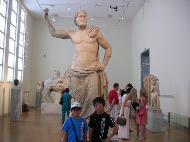 ゼウスの大理石像