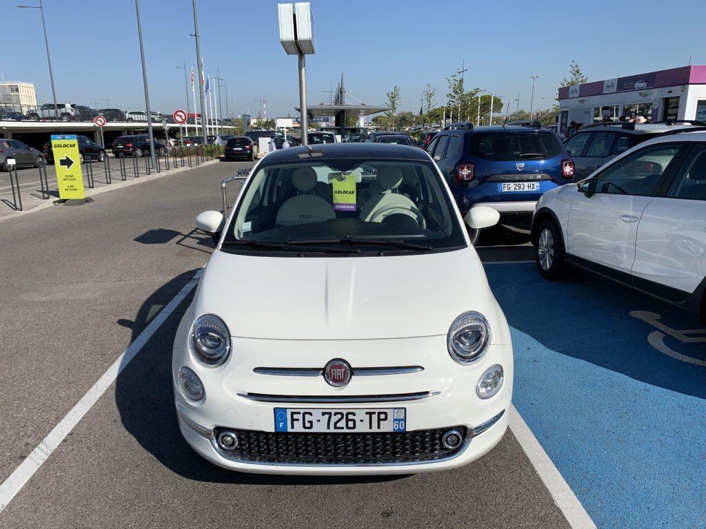マルセイユ空港で借りたレンタカーは白いフィアットでした