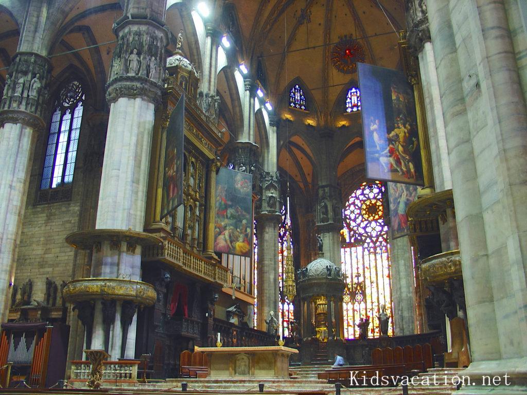 ミラノ大聖堂の内部