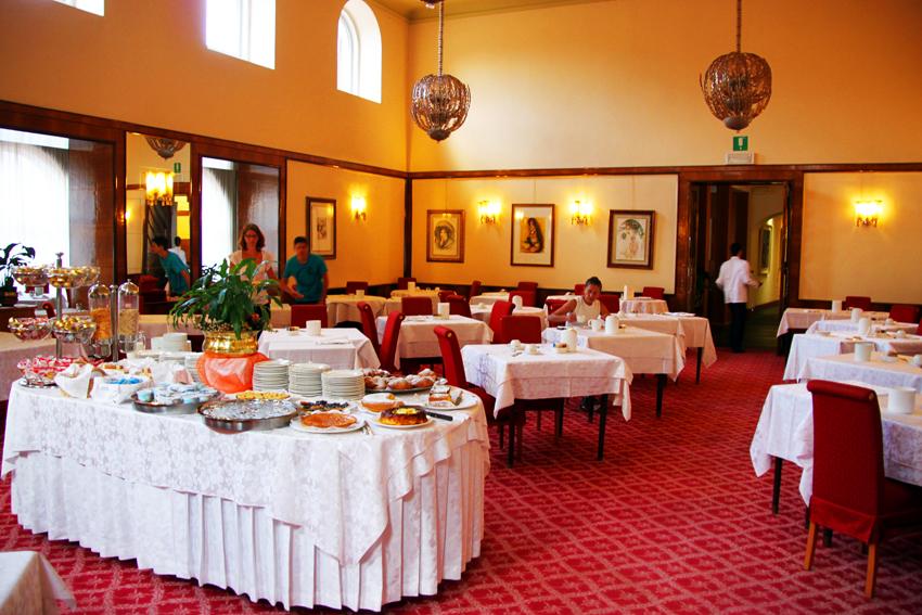 コンコルディアパルクホテルの朝食レストラン