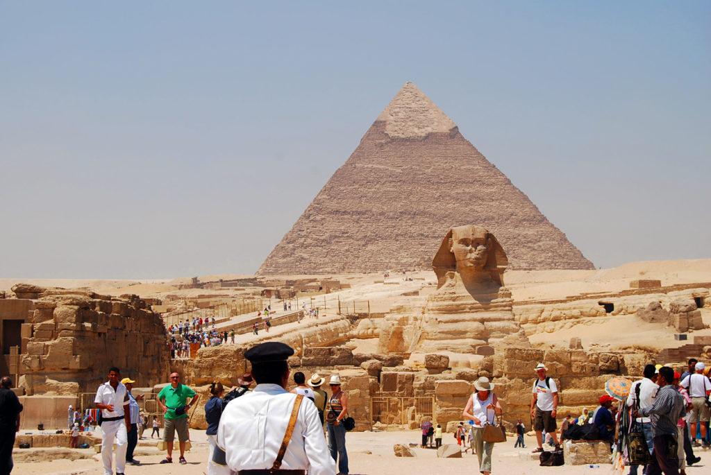 河岸神殿とスフィンクスとカフラ王のピラミッド