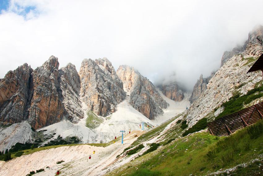 山頂へ登るゴンドラ