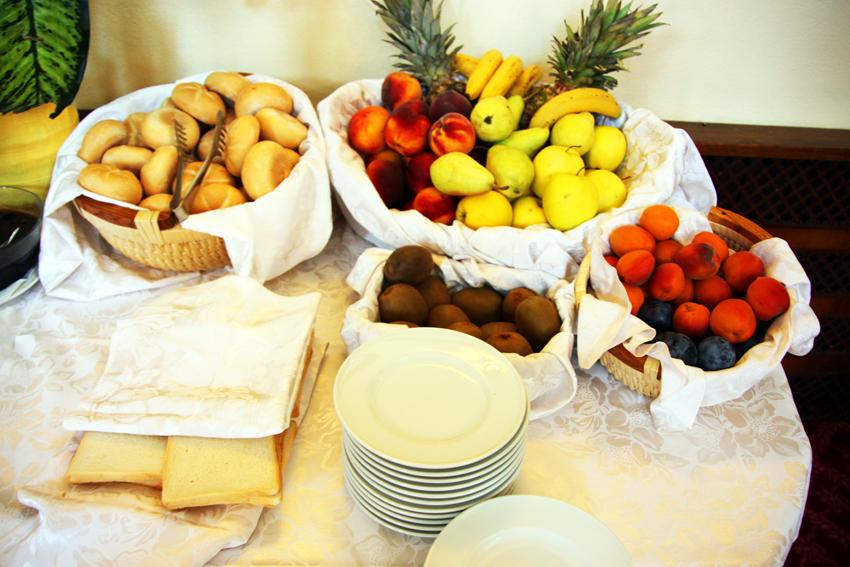 パンとフルーツ