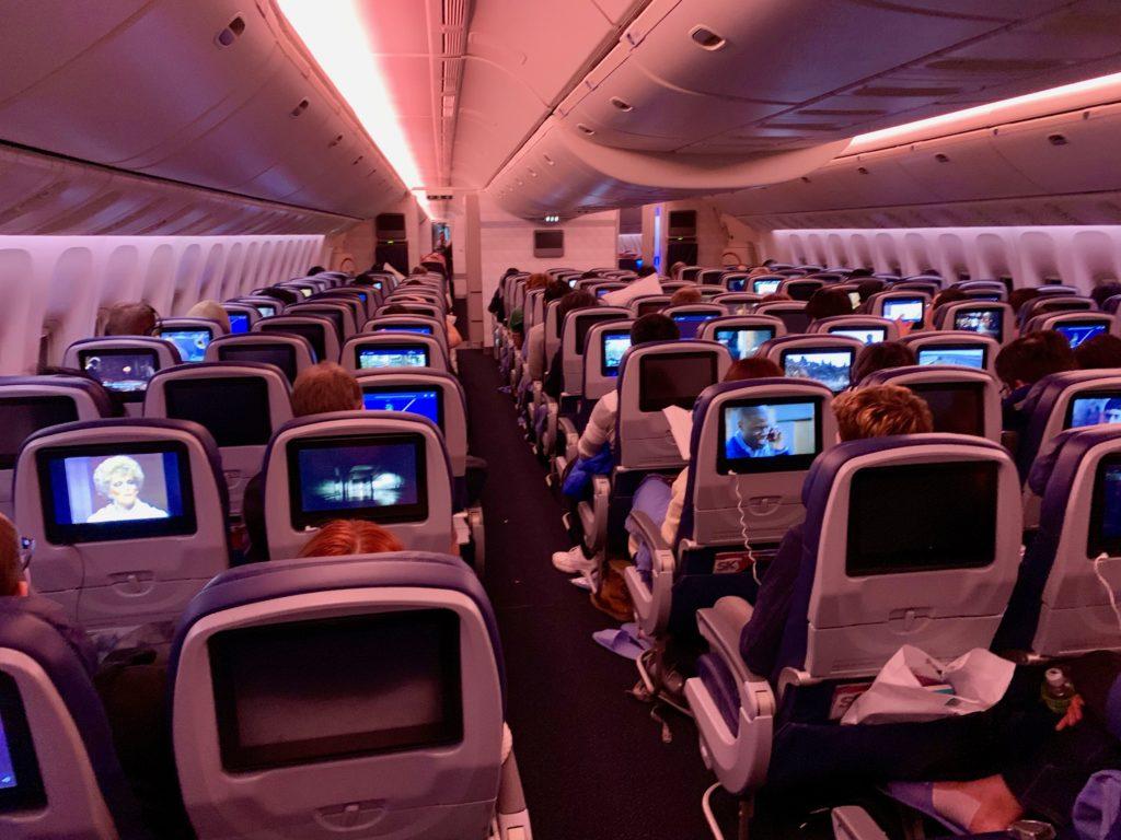 デルタ航空ミネアポリス便のメインキャビン