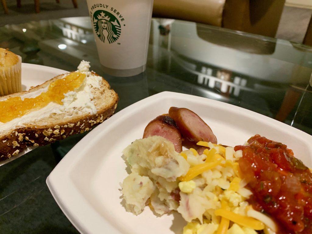 ラウンジで食べた朝食