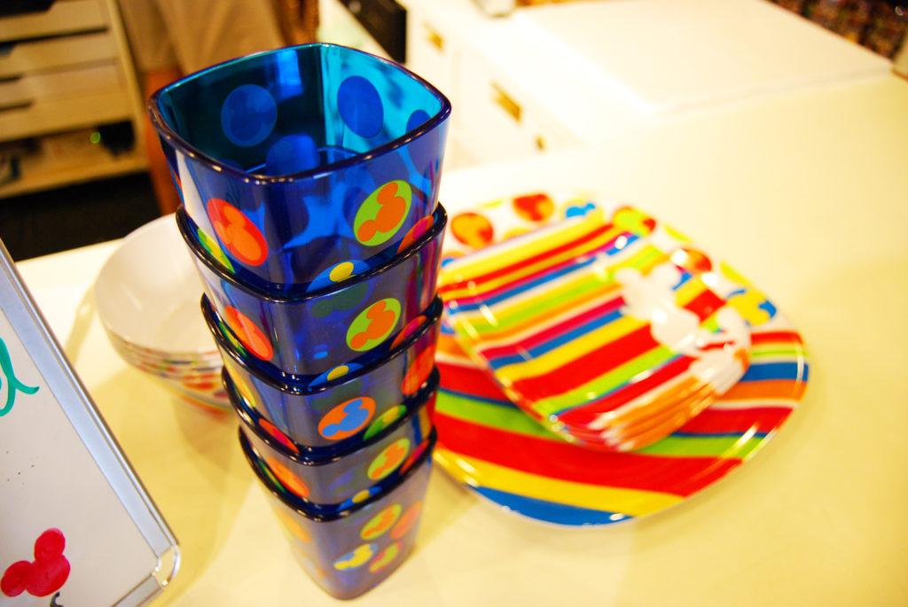 ミッキーパントリーで買ったグラスとお皿