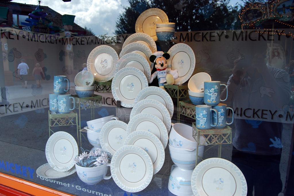 白いミッキーの食器セット