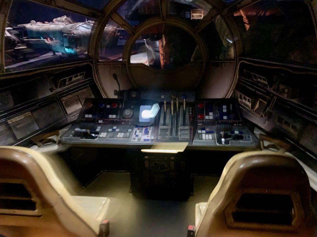ミレニアムファルコンの操縦席