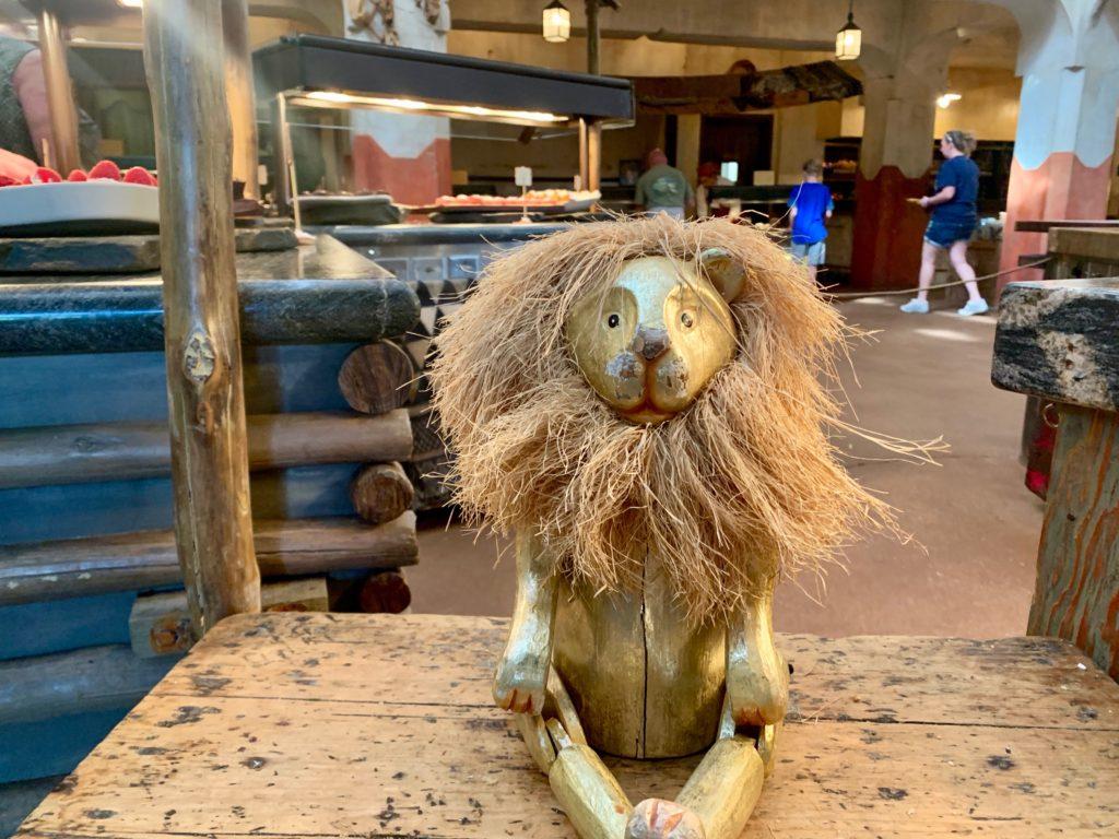 ライオンの置物