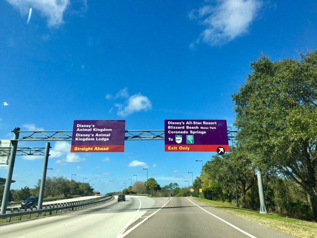 ウォルトディズニーワールドの道路標識