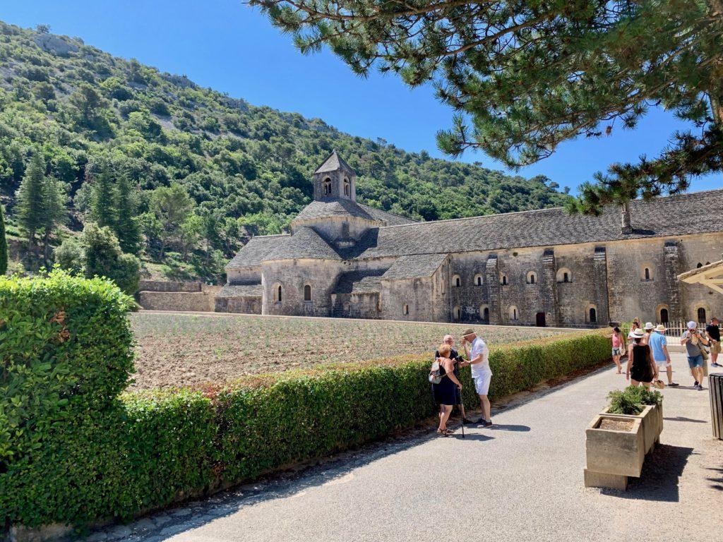 セナンク修道院とラベンダー畑