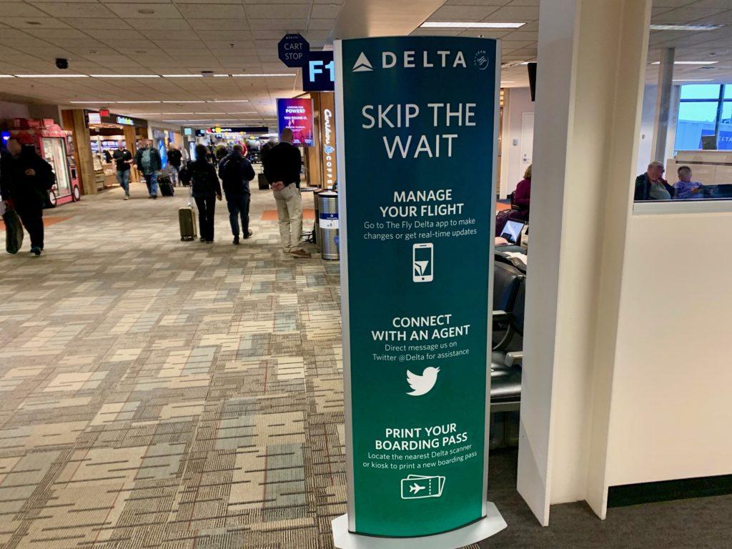 デルタ航空のサービスカウンター