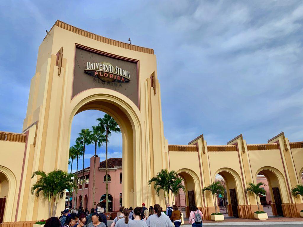 ユニバーサルスタジオフロリダの入り口にあるゲート
