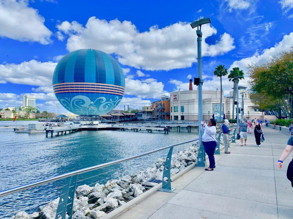 ディズニースプリングスの気球