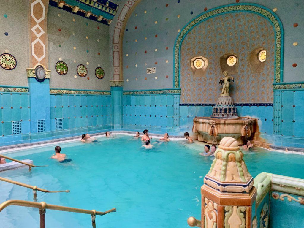 エキゾチックな内装の内風呂
