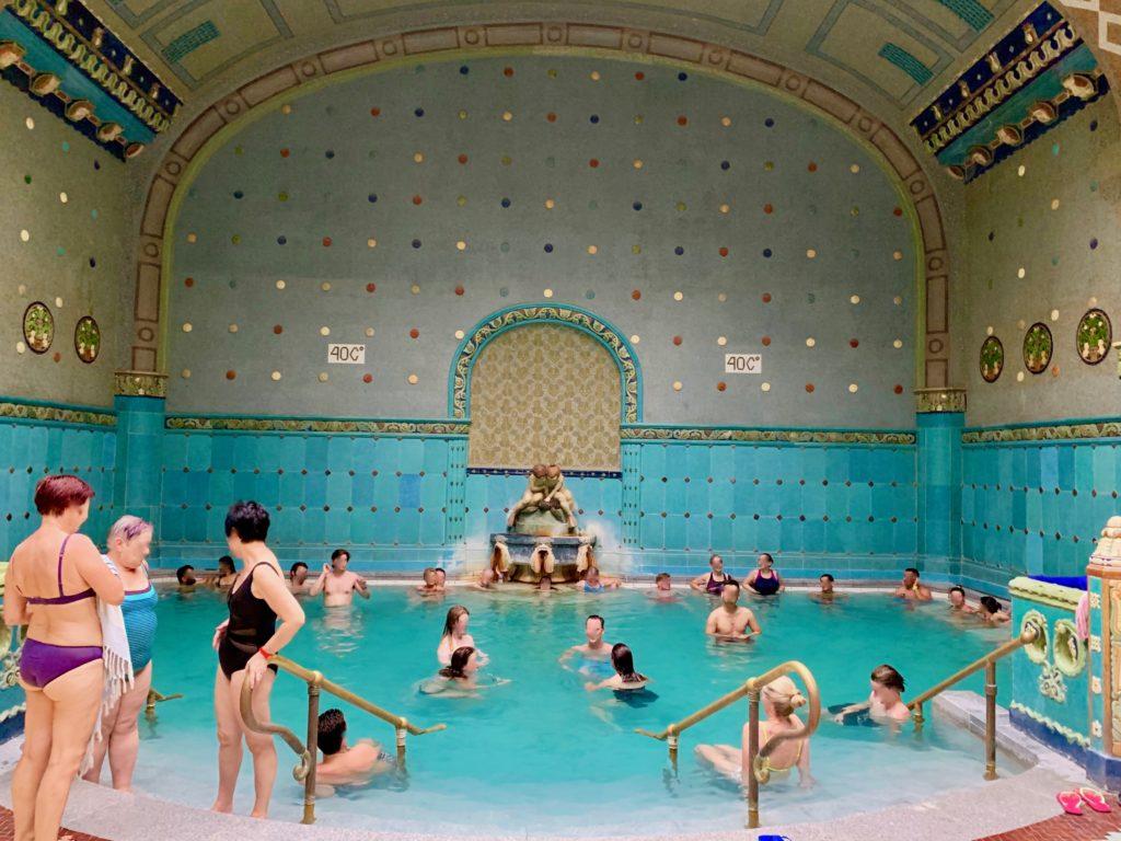 ゲッレールト温泉の内風呂