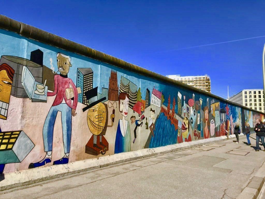 イーストサイドギャラリーのベルリンの壁