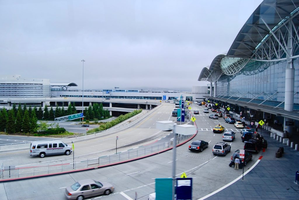 サンフランシスコ空港のターミナルビル